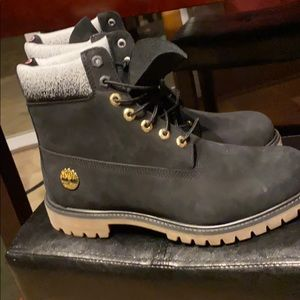 Size 11 1/2 timberland boots brand new never worn